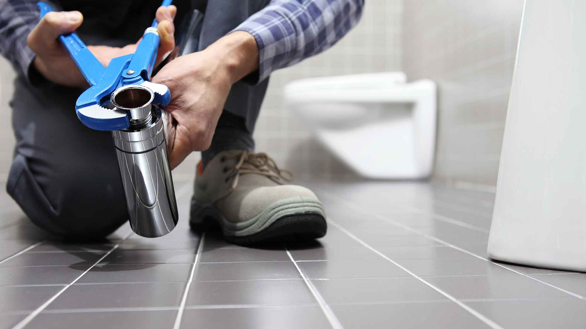 blocked toilet repair essex maintenance leigh on sea engineer